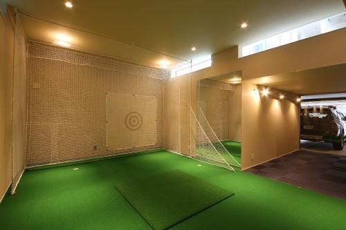 ゴルフの練習やシアタールームとしても活用できる、多目的な趣味のスペース