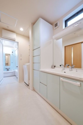 機能的な洗面&バスルーム