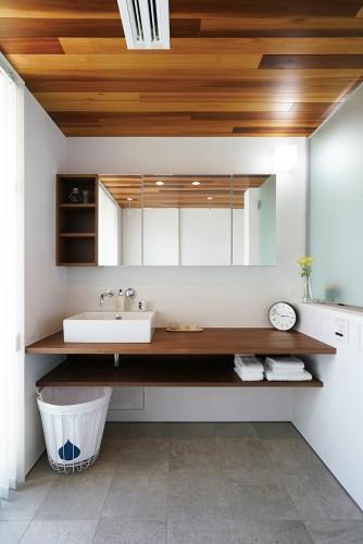 オリジナルデザインの洗面所