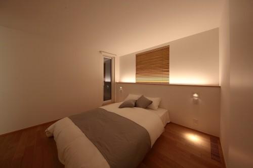 温かな間接照明で、自然な眠りを