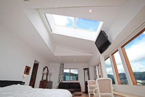 ロフト部分に天窓を設けて、空が見よう