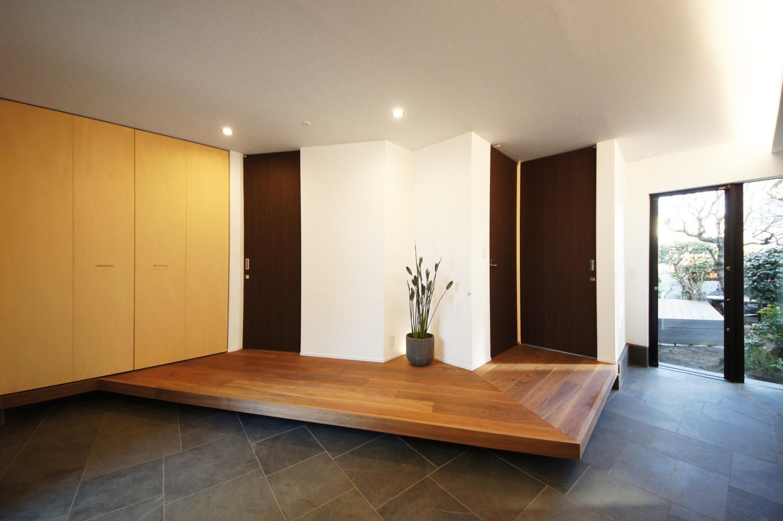 【二世帯住宅のコツ5】玄関が共有なら、ゆったりスペースで憩いの場に