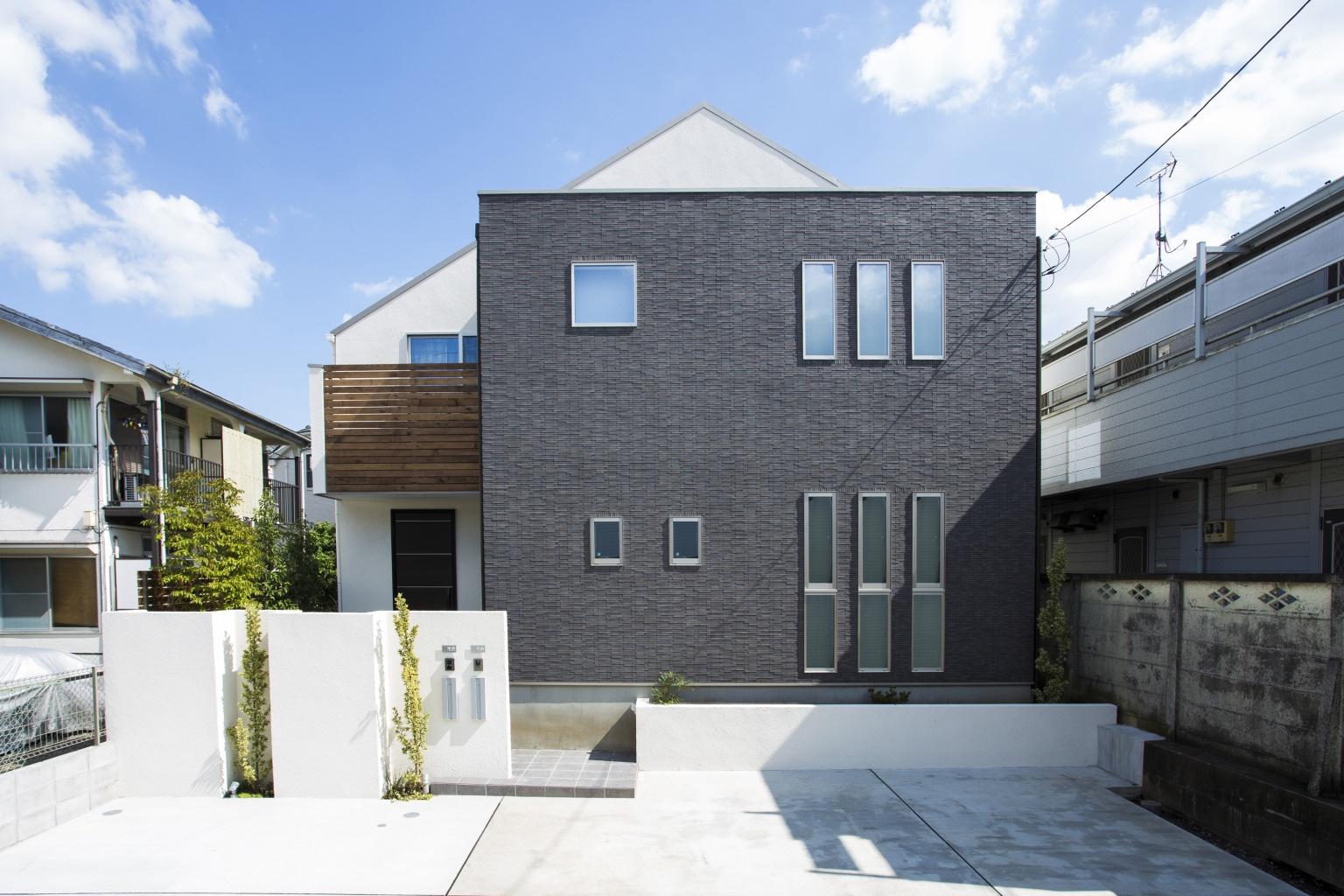 こだわりの外構 庭は 家を素敵に演出する お手本にしたい7つの実例 重量木骨の家