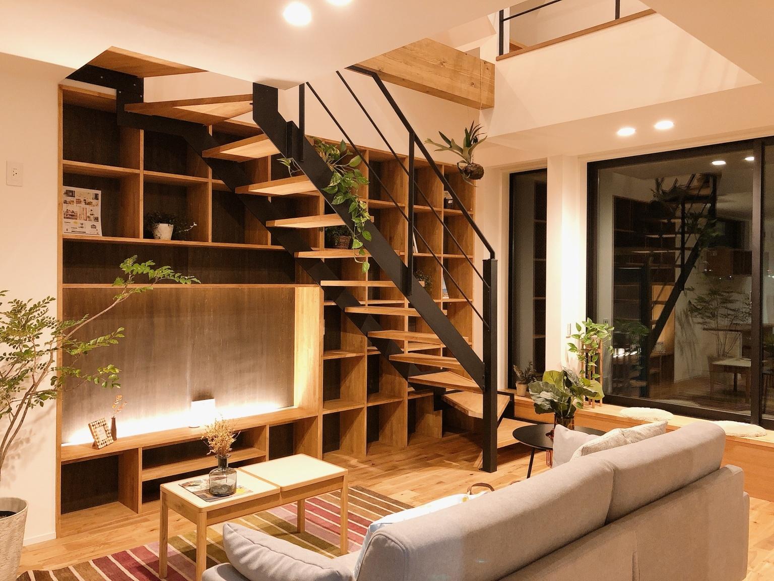 愛知県の注文住宅・リビング階段