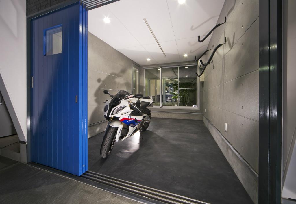 バイク好きのガレージハウス