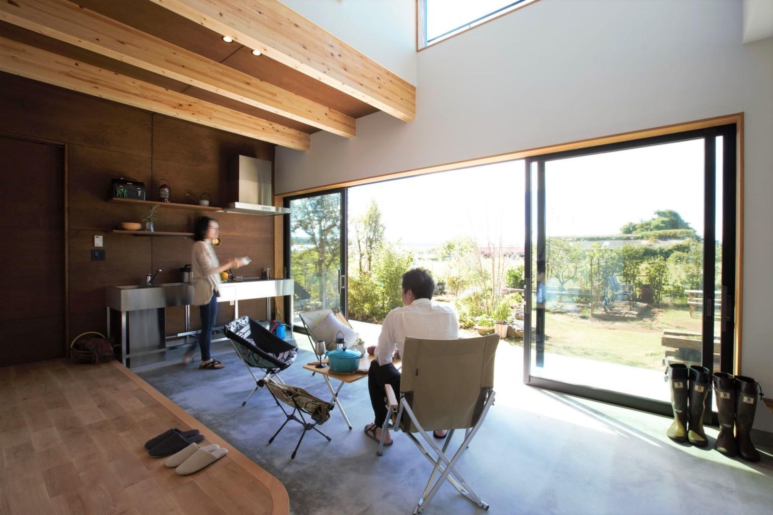 大空間と繋がる土間玄関の二世帯住宅