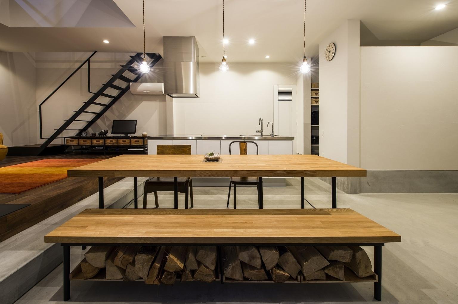 土間空間のキッチンダイニング