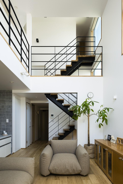 スキップフロアの狭小住宅