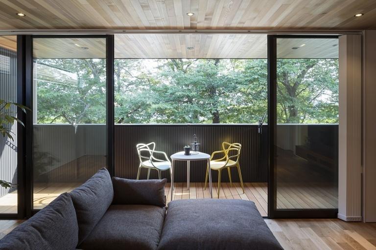 たとえば、第二のリビング バルコニーの贅沢。|重量木骨の家 選ばれた工務店と建てる木造注文住宅